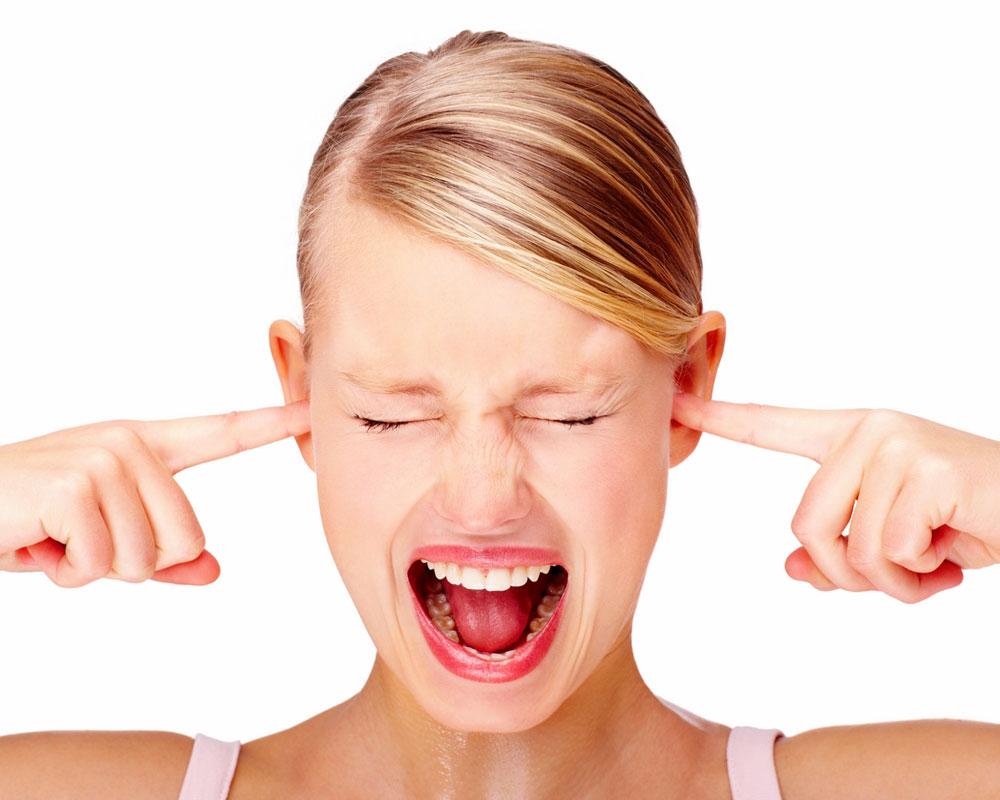 Как лечить шум в ушах при остеохондрозе, заложенность ушей