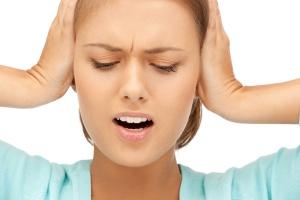Может ли болеть ухо при всд