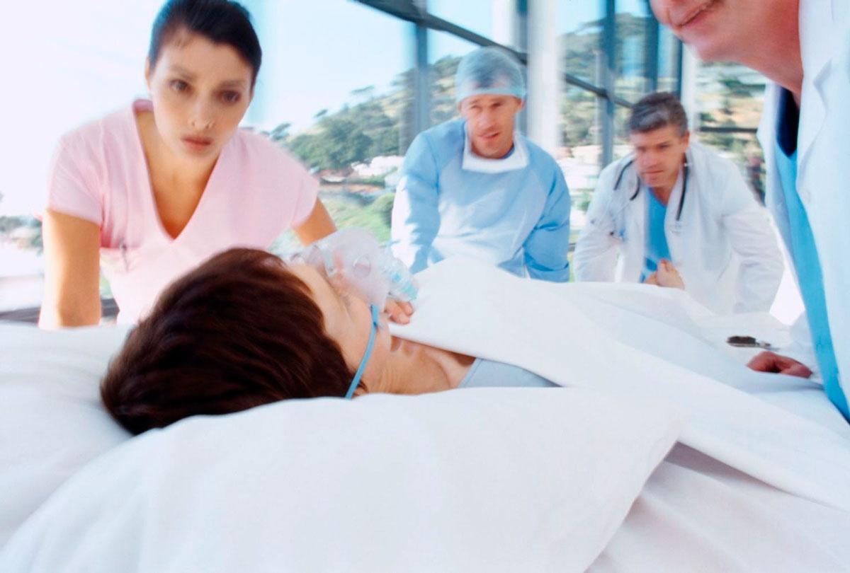 Первая помощь женщине при инсульте