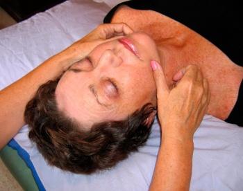 массаж восстанавливающий мимику